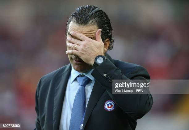 Juan Antonio Pizzi of Chile reacts during the FIFA Confederations Cup Russia 2017 Group B match between Chile and Australia at Spartak Stadium on...