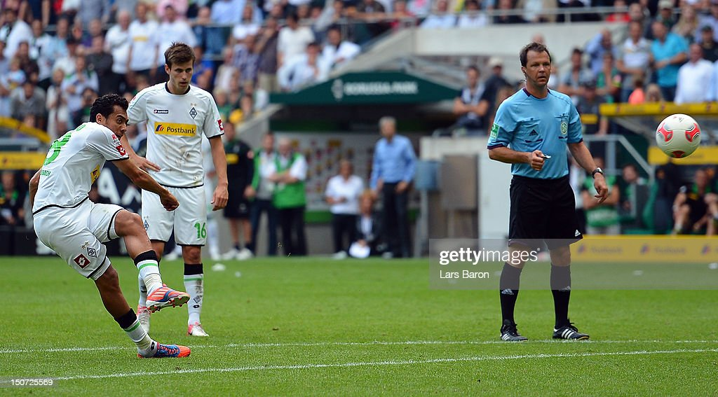 Juan Arango of Moenchengladbach scores his teams second goal during the Bundesliga match between VfL Borussia Moenchengladbach and TSG 1899 Hoffenheim at Borussia Park Stadium on August 25, 2012 in Moenchengladbach, Germany.