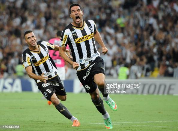 Juan Carlos Ferreyra of Botafogo celebrates a scored goal against Independiente del Valle during a match between Botafogo and Independiente del Valle...