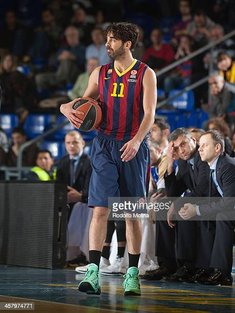 Juan Carlos Navarro #11 of FC Barcelona in action during the 20132014 Turkish Airlines Euroleague Regular Season Date 10 game between FC Barcelona v...