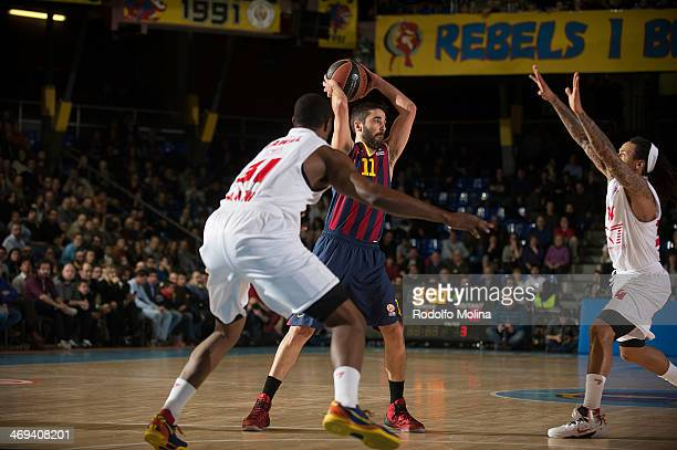 Juan Carlos Navarro #11 of FC Barcelona in action during the 20132014 Turkish Airlines Euroleague Top 16 Date 6 game between FC Barcelona Regal v EA7...