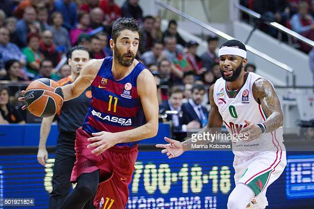 Juan Carlos Navarro #11 of FC Barcelona Lassa competes with Malcom Delaney #0 of Lokomotiv Kuban Krasnodar during the Turkish Airlines Euroleague...