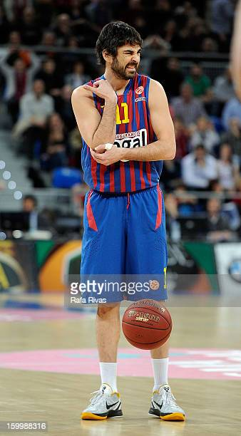 Juan Carlos Navarro #11 of FC Barcelona Regal in action during the 20122013 Turkish Airlines Euroleague Top 16 Date 5 between Caja Laboral Vitoria v...