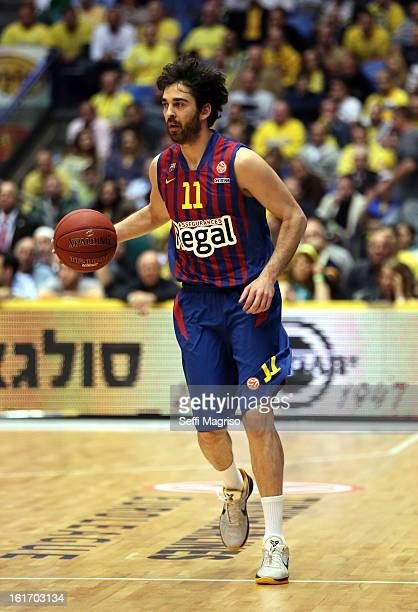 Juan Carlos Navarro #11 of FC Barcelona Regal in action during the 20122013 Turkish Airlines Euroleague Top 16 Date 7 between Maccabi Electra Tel...