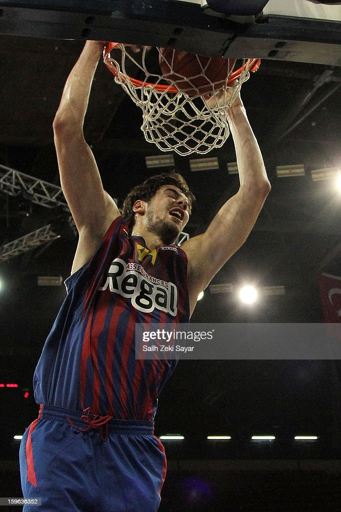 <a gi-track='captionPersonalityLinkClicked' href=/galleries/search?phrase=Juan+Carlos+Navarro&family=editorial&specificpeople=879660 ng-click='$event.stopPropagation()'>Juan Carlos Navarro</a> #11 of FC Barcelona Regal in action during the 2012-2013 Turkish Airlines Euroleague Top 16 Date 4 between Besiktas JK Istanbul v FC Barcelona Regal at Abdi Ipekci Sports Arena on January 17, 2013 in Istanbul, Turkey.