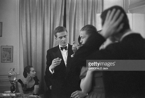 Juan Carlos Of Spain At The Marriage Of Helene De France France janvier 1957 JUAN CARLOS de Bourbon futur roi d'Espagne invité au mariage d'Hélène de...