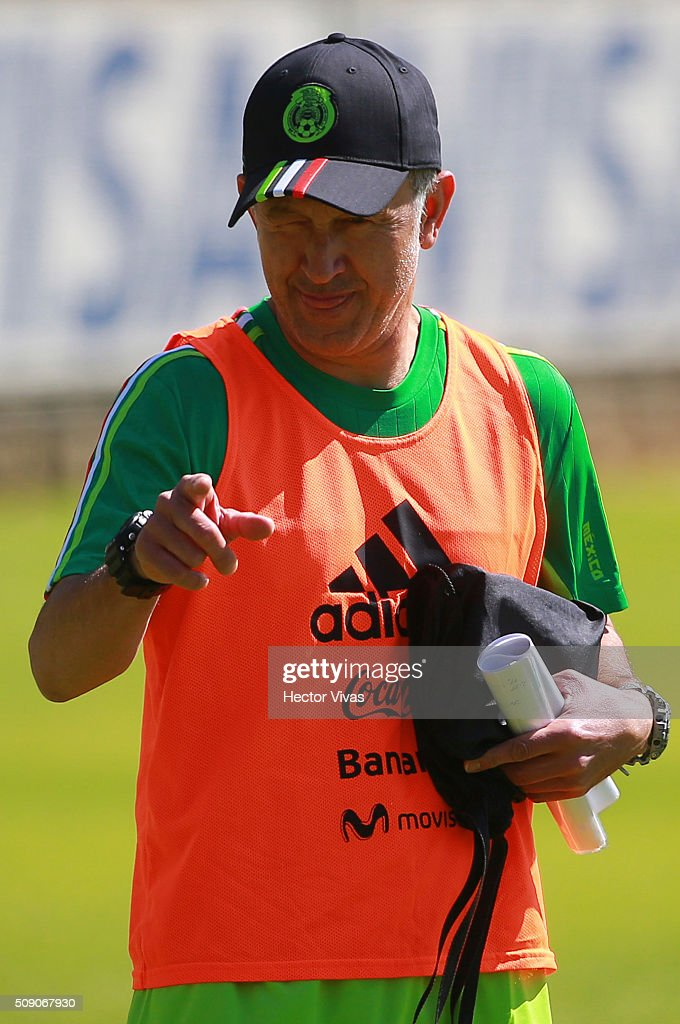 <a gi-track='captionPersonalityLinkClicked' href=/galleries/search?phrase=Juan+Carlos+Osorio+-+Soccer+Manager&family=editorial&specificpeople=15104399 ng-click='$event.stopPropagation()'>Juan Carlos Osorio</a> coach of Mexico looks on during a Mexico training session at Centro de Alto Rendimiento on February 08, 2016 in Mexico City, Mexico. Mexico will face Senegal on February 10, 2016. (Photo by Hector Vivas/LatinContent