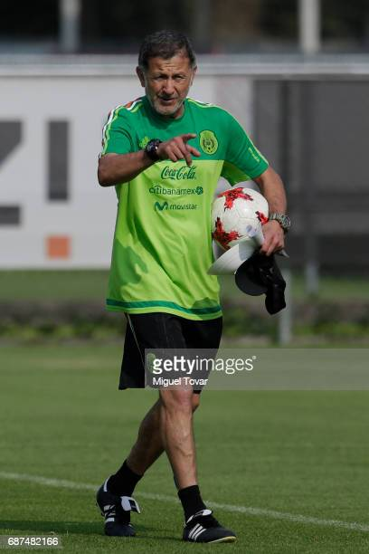 Juan carlos Osorio coach of Mexico points during a training session at Centro Nacional de Desarrollo de Talento Deportivo y Alto Rendimiento on May...
