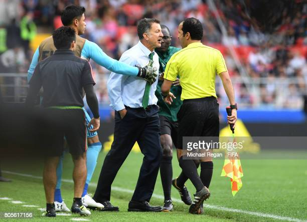 Juan Carlos Osorio head coach of Mexico confronts the fourth offical during the FIFA Confederations Cup Russia 2017 PlayOff for Third Place between...