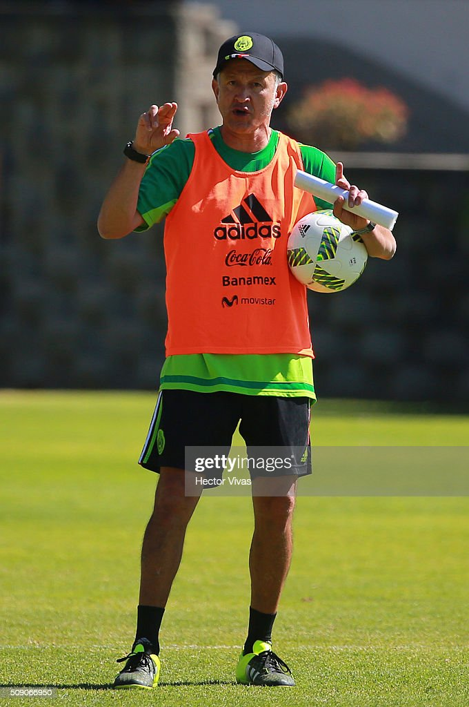 <a gi-track='captionPersonalityLinkClicked' href=/galleries/search?phrase=Juan+Carlos+Osorio+-+Soccer+Manager&family=editorial&specificpeople=15104399 ng-click='$event.stopPropagation()'>Juan Carlos Osorio</a> head coach of Mexico looks on during a Mexico training session at Centro de Alto Rendimiento on February 08, 2016 in Mexico City, Mexico. Mexico will face Senegal on February 10, 2016. (Photo by Hector Vivas/LatinContent