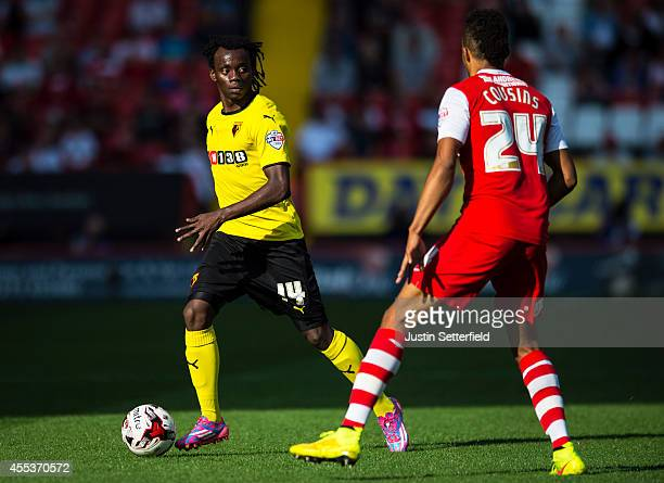 Juan Carlos Paredes Of Watford and Jordan Cousins Of Charlton during the Sky Bet Championship match between Charlton Athletic and Watford at The...