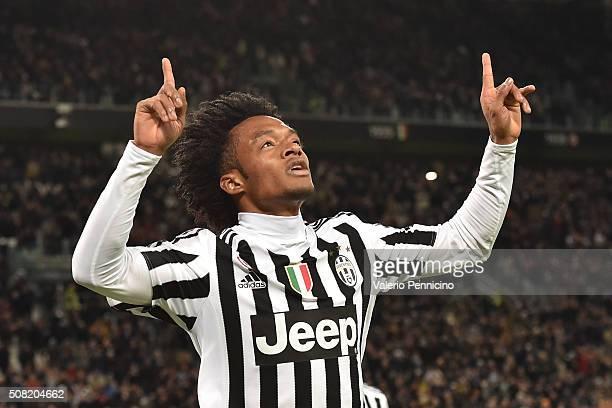Juan Cuadrado of Juventus FC celebrates after scoring the opening goal during the Serie A match between Juventus FC and Genoa CFC at Juventus Arena...