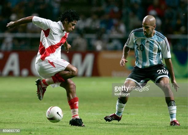 Juan de la HAZA / Juan Sebastian VERON Argentine / Perou Copa America 2007 Stade Metropolitano Barquisimeto Venezuela