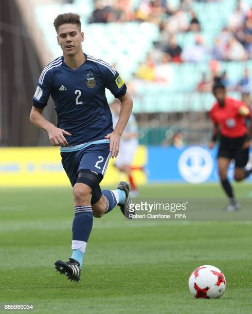 Juan Foyth of Argentin runs with the ball during the FIFA U20 World Cup Korea Republic 2017 group A match between Argentina and England at Jeonju...
