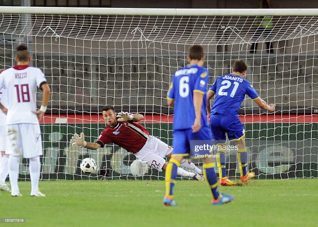 Juan Ignacio Gomez Taleb of Verona scores a goal from the penalty spot during the Serie B match between Hellas Verona FC and Reggina Calcio at Stadio...