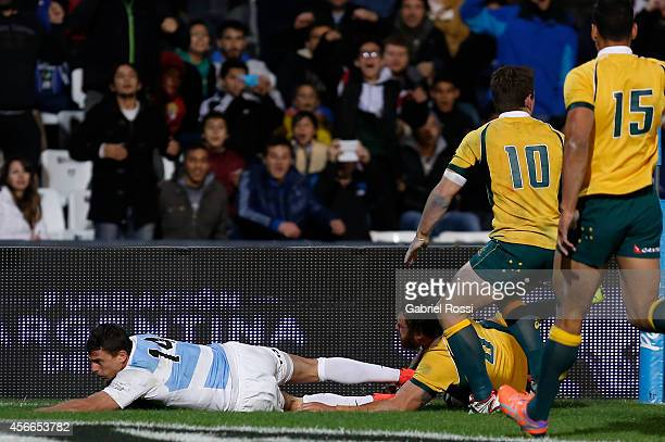 Juan Imhoff of Argentina scores a try during a match between Argentina Los Pumas and Australia Wallabies as part of The Rugby Championship 2014 at...