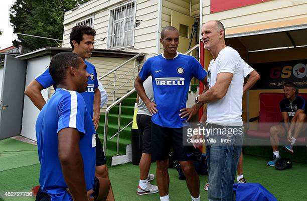 Juan Jesus Hernanes Miranda and Claudio Taffarel attend a FC Internazionale training session at the Florya training camp on August 2 2015 in Istanbul...