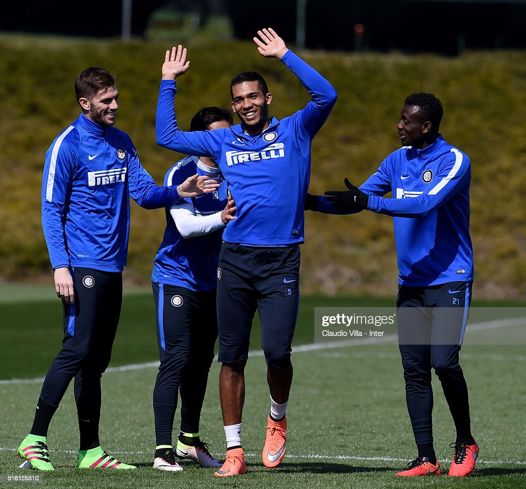 Juan Jesus (C) reacts during the FC Internazionale training session at the club's training ground at Appiano Gentile on March 17, 2016 in Como, Italy.