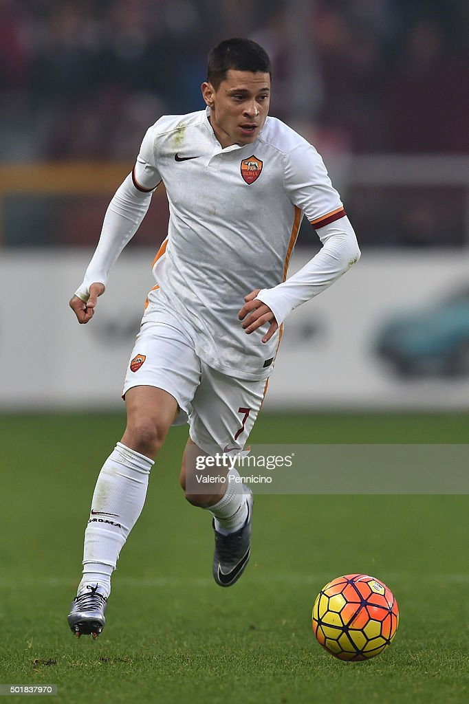 <a gi-track='captionPersonalityLinkClicked' href=/galleries/search?phrase=Juan+Manuel+Iturbe&family=editorial&specificpeople=7492436 ng-click='$event.stopPropagation()'>Juan Manuel Iturbe</a> of AS Roma in action during the Serie A match between Torino FC and AS Roma at Stadio Olimpico di Torino on December 5, 2015 in Turin, Italy.