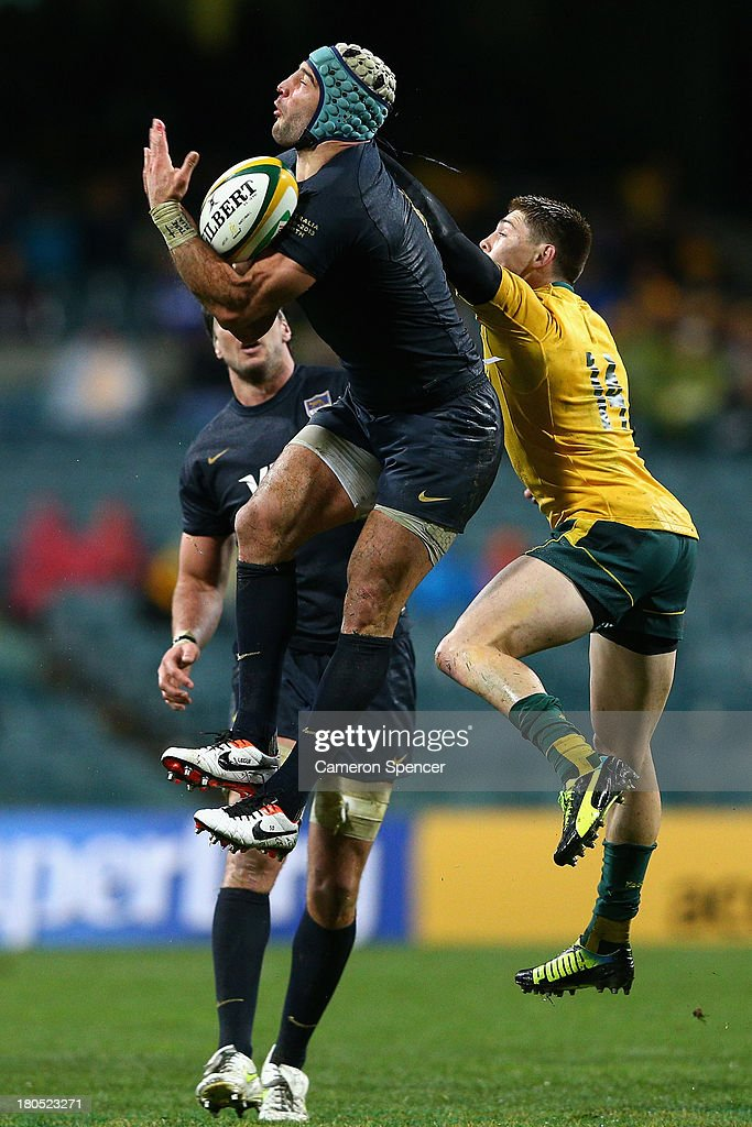 Juan Manuel Leguizamón of the Pumas takes a high ball during The Rugby Championship match between the Australian Wallabies and Argentina at Patersons Stadium on September 14, 2013 in Perth, Australia.