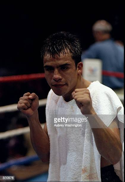 Juan Manuel Marquez prepares for his fight against Luis Samudio at the Great Western Forum in Inglewood California March 16 1998 Mandatory Credit...