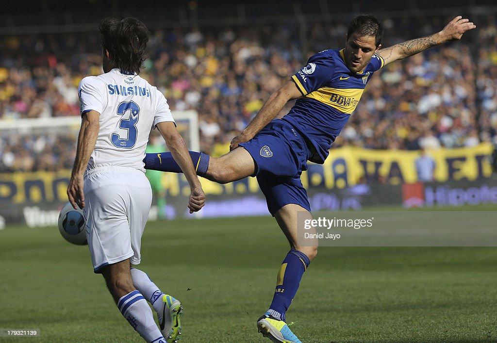 Boca Juniors v Velez Sarsfield - Torneo Inicial 2013