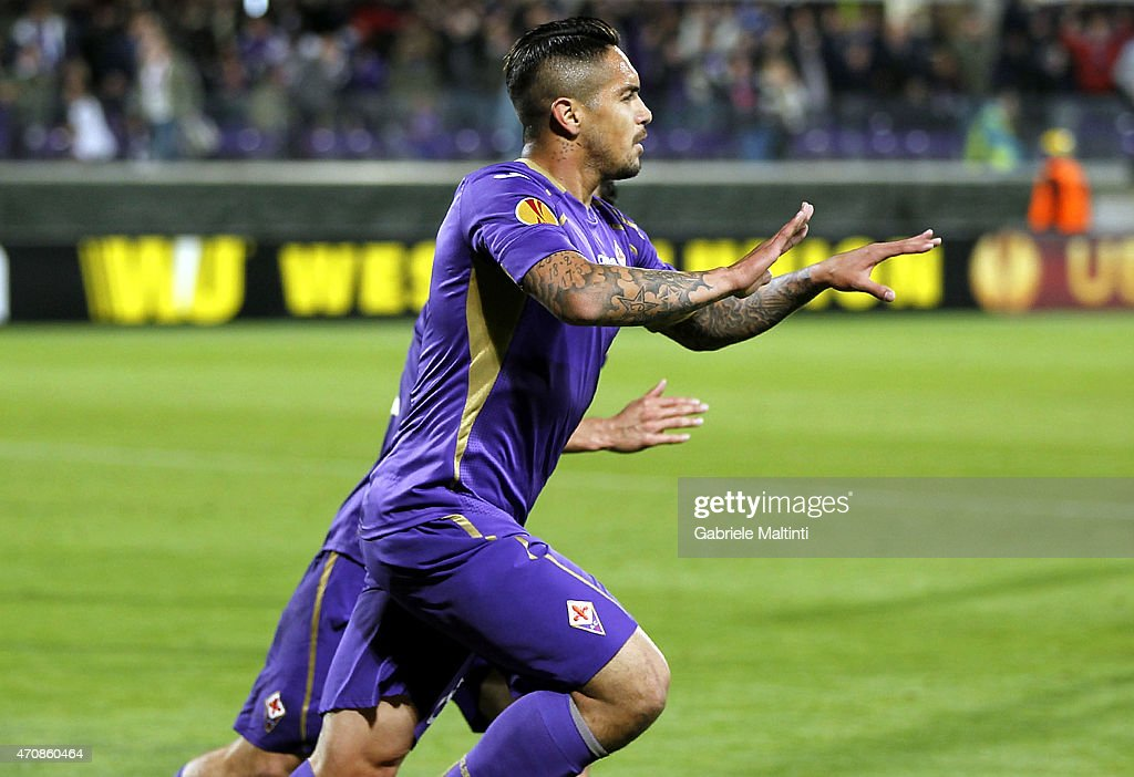 Juan Manuel Vargas of ACF Fiorentina celebrates after scoring a goal during the UEFA Europa League Quarter Final match between ACF Fiorentina and FC Dynamo Kyiv on April 23, 2015 in Florence, Italy.