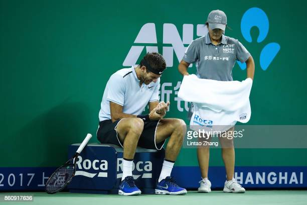 Juan Martin del Potro of Argentina injures his wrist during the Men's singles quarter final mach against Viktor Troicki of Serbia on day six of 2017...