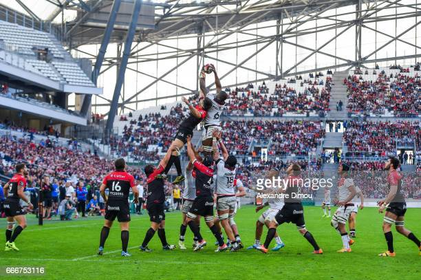 Juan Martin Fernandez Lobbe of Toulon Yacouba Camara of Toulouse during the Top 14 match between RC Toulon and Stade Toulousain Toulouse on April 9...