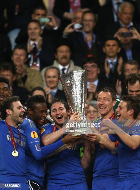 Juan Mata Mikel John Obi Frank Lampard John Terry and Cesar Azpilicueta of Chelsea celebrate with the trophy during the UEFA Europa League Final...
