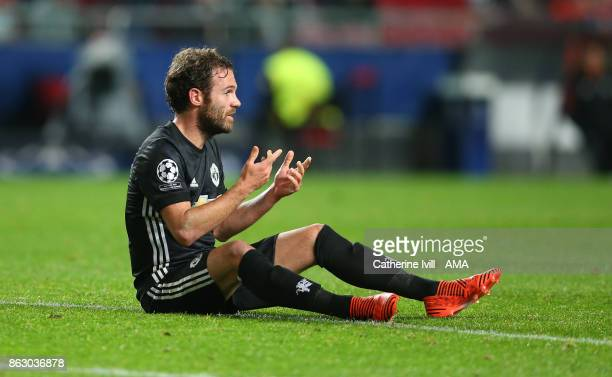 Juan Mata of Manchester United during the UEFA Champions League group A match between SL Benfica and Manchester United at Estadio da Luz on October...