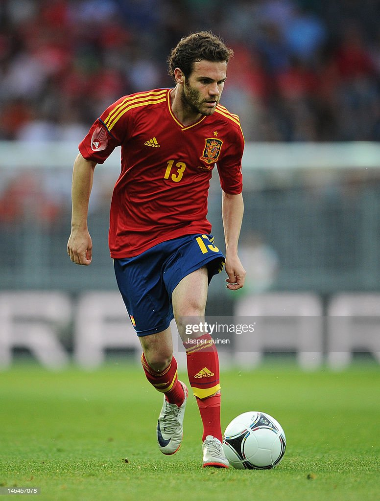 <a gi-track='captionPersonalityLinkClicked' href=/galleries/search?phrase=Juan+Mata&family=editorial&specificpeople=4784696 ng-click='$event.stopPropagation()'>Juan Mata</a> of Spain controls the ball during the international friendly match between Spain and Korea Republic on May 30, 2012 in Bern, Switzerland.