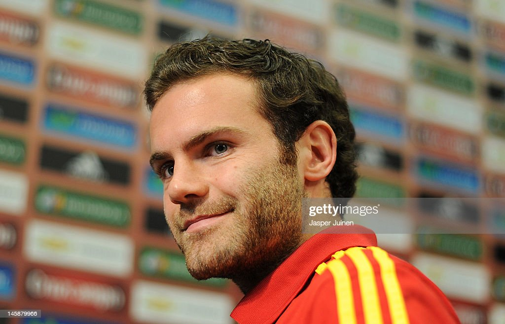 <a gi-track='captionPersonalityLinkClicked' href=/galleries/search?phrase=Juan+Mata&family=editorial&specificpeople=4784696 ng-click='$event.stopPropagation()'>Juan Mata</a> of Spain smiles at the end of his press conference ahead of UEFA EURO 2012 on June 7, 2012 in Gniewino, Poland.