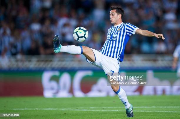 Juan Miguel Jimenez 'Juanmi' of Real Sociedad controls the ball during the La Liga match between Real Sociedad de Futbol and Villarreal CF at Estadio...