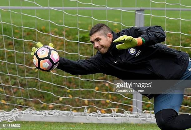Juan Pablo Carrizo in action during the FC Internazionale training session at the club's training ground at Appiano Gentile on October 15 2016 in...
