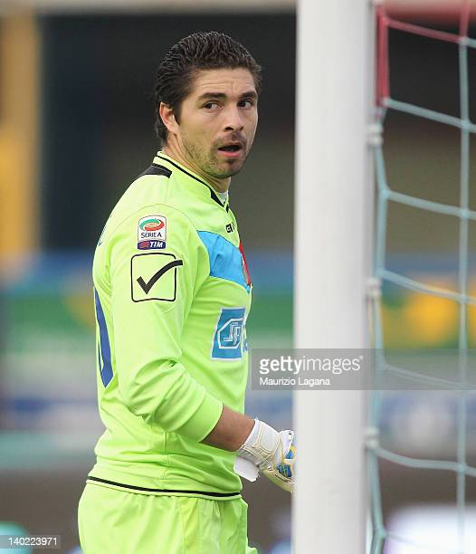 Juan Pablo Carrizo of Catania in action during the Serie A match between Catania Calcio and Novara Calcio at Stadio Angelo Massimino on February 26...