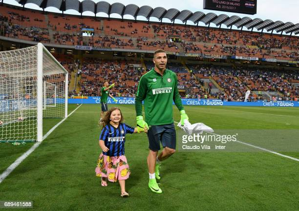 Juan Pablo Carrizo of FC Internazionale and his daughter during the Serie A match between FC Internazionale and Udinese Calcio at Stadio Giuseppe...