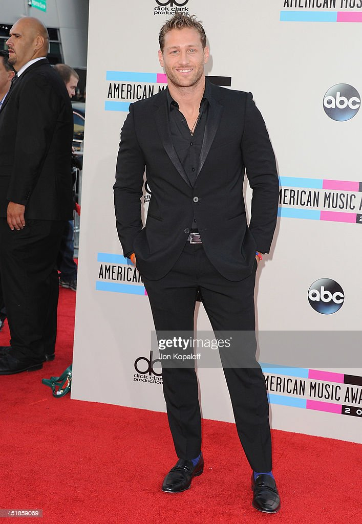 Juan Pablo Galavis arrives at the 2013 American Music Awards at Nokia Theatre L.A. Live on November 24, 2013 in Los Angeles, California.