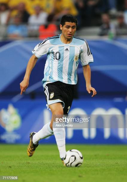 Juan Roman Riquelme of Argentina runs with the ball during the FIFA World Cup Germany 2006 Group C match between Argentina and Ivory Coast played at...