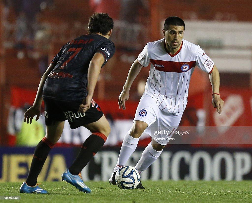 Argentinos Juniors v Colon - Torneo de Transicion Nacional B 2014 : News Photo
