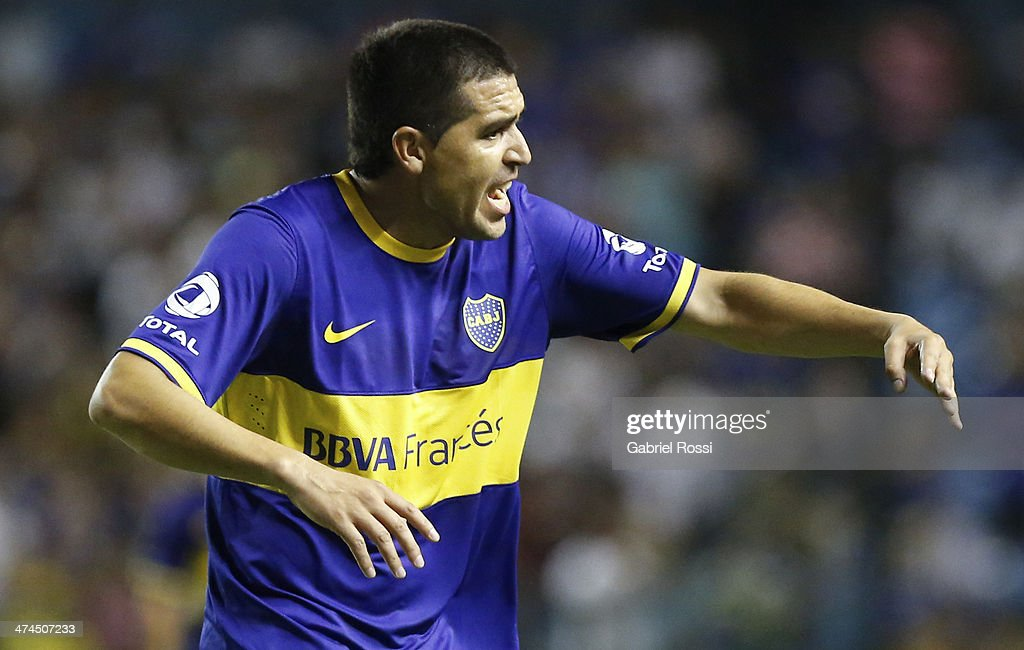 <a gi-track='captionPersonalityLinkClicked' href=/galleries/search?phrase=Juan+Roman+Riquelme&family=editorial&specificpeople=243174 ng-click='$event.stopPropagation()'>Juan Roman Riquelme</a> of Boca Juniors reacts during a match between Boca Juniors and Estudiantes as part of forth round of Torneo Final 2014 at Estadio Unico de La Plata on February 23, 2014 in La Boca, Buenos Aires, Argentina.