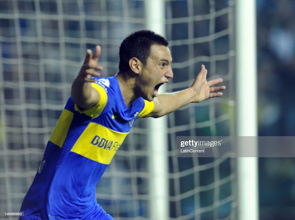 Juan Sanchez Miño from Boca Jrs celebrate a goal during the first leg of the Copa Libertadores 2012 semi-finals between Boca Jrs and Universidad de Chile at Bombonera Stadium on June 14, 2012 in Buenos Aires, Argentina.