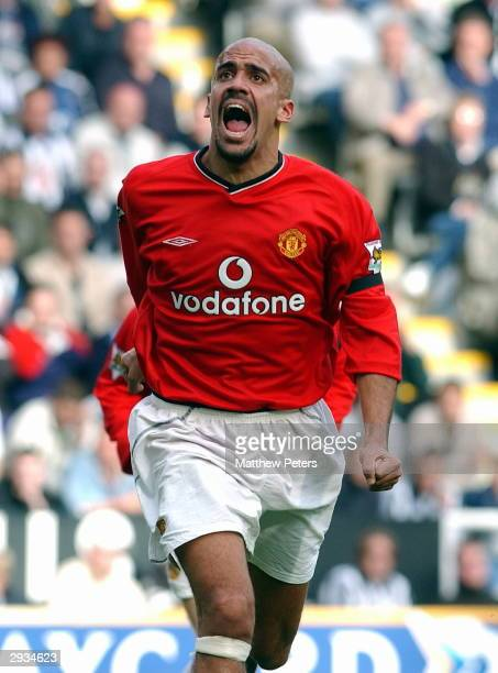 Juan Sebastian Veron celebrates scoring United's equalising goal during the FA Barclaycard Premiership match between Newcastle United v Manchester...