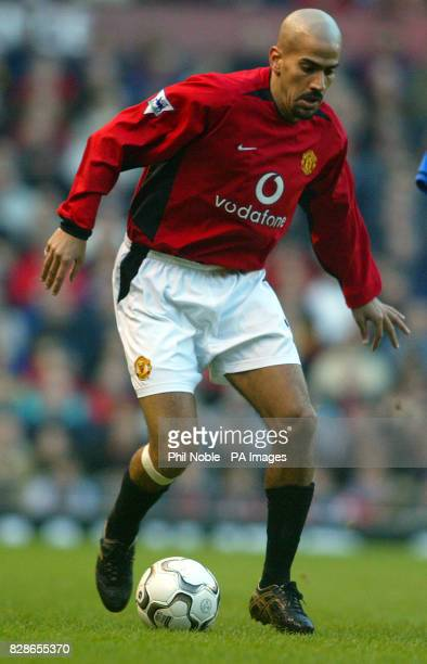 Juan Sebastian Veron in action for Manchester United against Birmingham City during their Barclaycard Premiership match at Old Trafford THIS PICTURE...