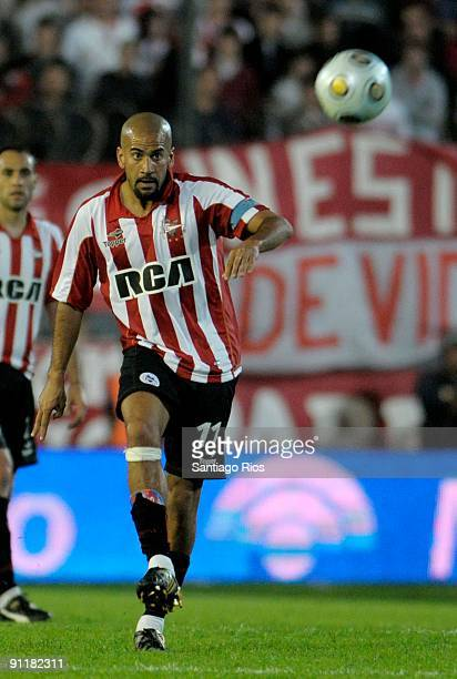 Juan Sebastian Veron of Estudiantes during an Argentina's first division soccer match on September 26 2009 in Buenos Aires Argentina