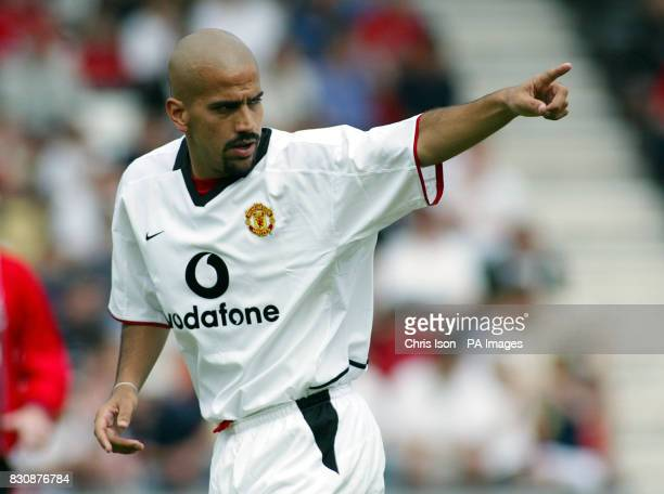 Juan Sebastian Veron of Manchester United football Club THIS PICTURE CAN ONLY BE USED WITHIN THE CONTEXT OF AN EDITORIAL FEATURE NO WEBSITE/INTERNET...