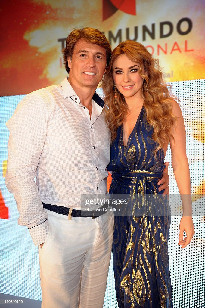 Juan Solar and <a gi-track='captionPersonalityLinkClicked' href=/galleries/search?phrase=Aracely+Arambula&family=editorial&specificpeople=2902803 ng-click='$event.stopPropagation()'>Aracely Arambula</a> attends Telemundo NATPE 2013 Press Conference And Luncheon at Eden Roc Hotel on January 28, 2013 in Miami Beach, Florida.