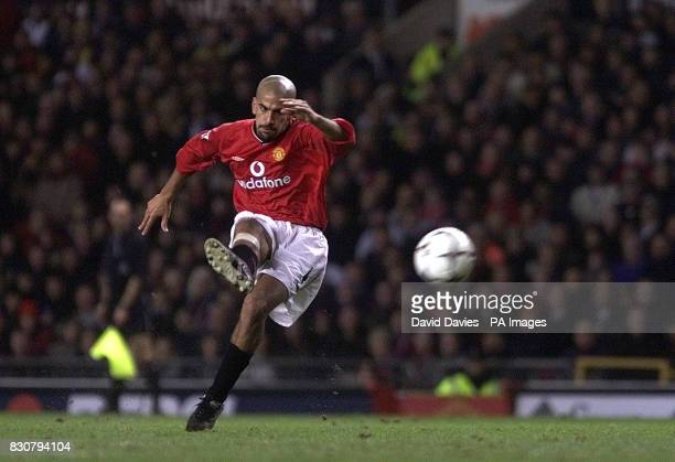 Juan Veron during the FA Barclaycard Premiership match at Old Trafford against Derby County THIS PICTURE CAN ONLY BE USED WITHIN THE CONTEXT OF AN...