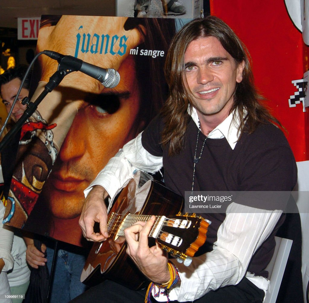 juanes performs and signs his new cd