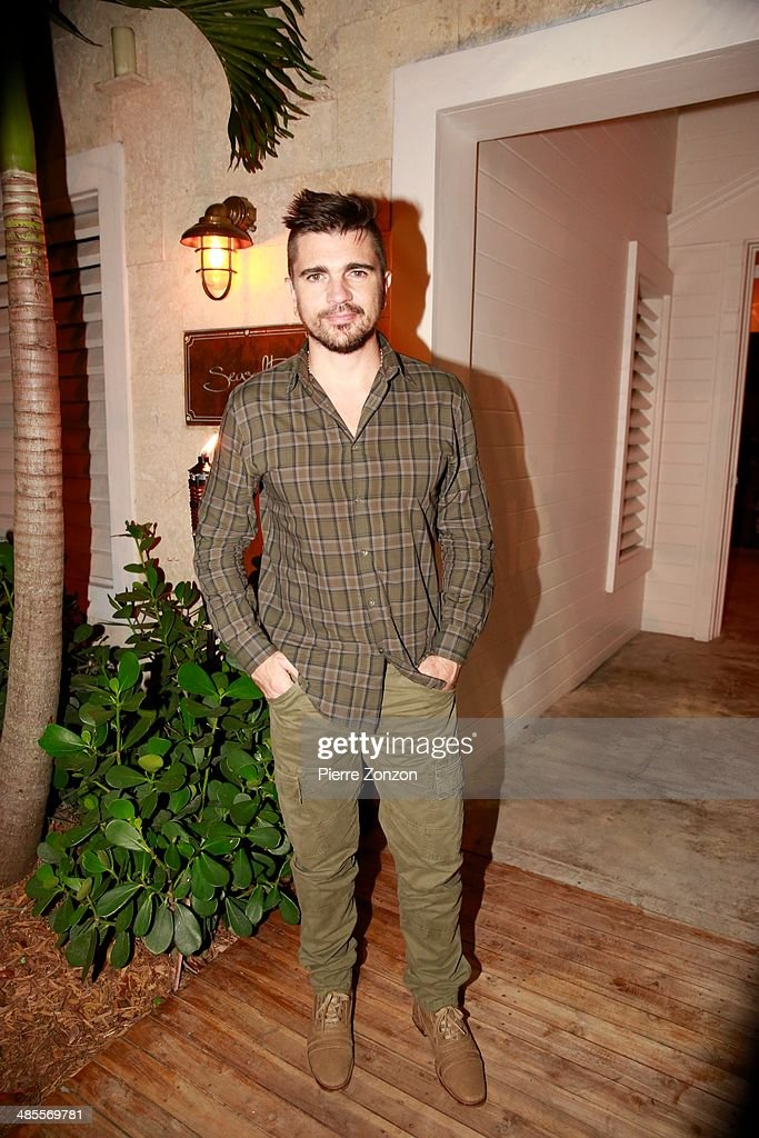 <a gi-track='captionPersonalityLinkClicked' href=/galleries/search?phrase=Juanes&family=editorial&specificpeople=202467 ng-click='$event.stopPropagation()'>Juanes</a> is seen at Seasalt and Pepper restaurant on April 18, 2014 in Miami, Florida.